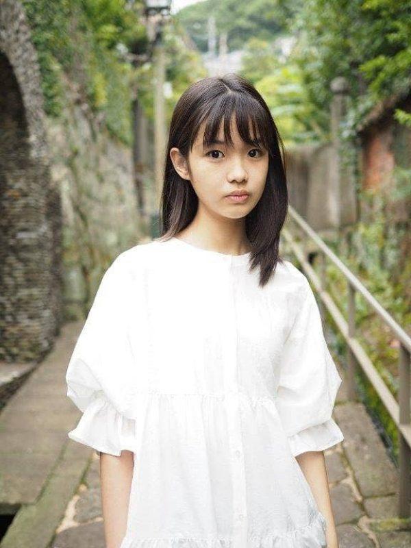 KANAZAWA SUMIRE 01